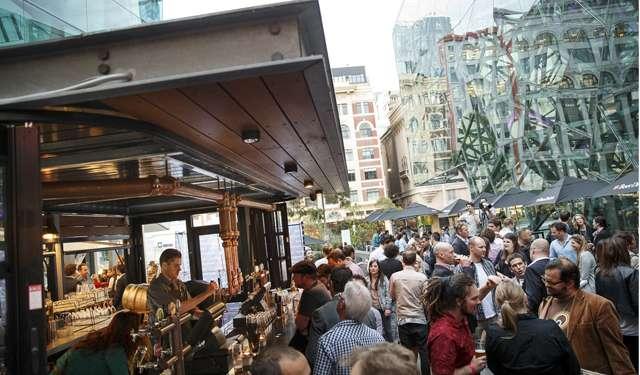Beer-DeLuxe-Fed-Square-Beer-Garden-Deck-Bar
