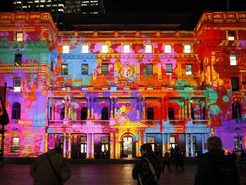 Vivid-Sydney-2011-Feature1