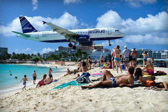 Top-10-Most-Famous-Beach-Points-Maho-Beach-Saint-Martin