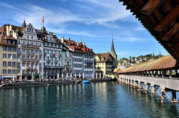 Switzerland-Lucerne-Chapel-Bridge-Rathausquai-Reuss-River