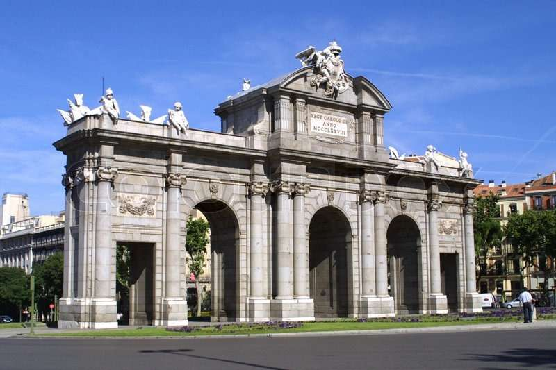 1755265-alcala-gate-puerta-de-alcala-monument-in-the-independence-square-in-madrid-spain