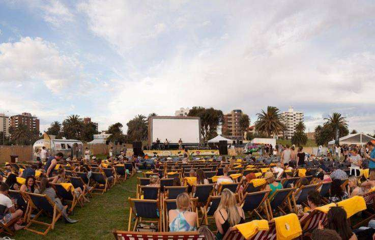 ben-jerrys-open-air-cinemas-melbourne-festival-st-kilda-bars-beach-live-music-beachfront-bar-family-fun-ice-cream-street-food-trucks-0051